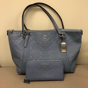 COACH Handbag & Wallet Set